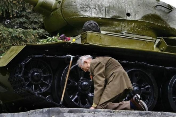 The Old Vet And His Tank