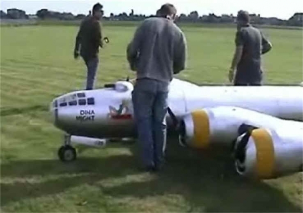 The Largest RC Model Airplane In The World