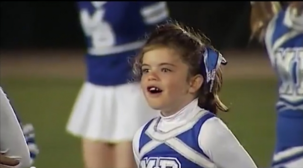 Navy Sailor Surprises 7-Year-Old Daughter At High School Football...