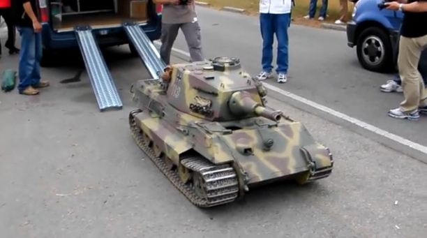Radio Controlled Konigstiger (King Tiger) Tank