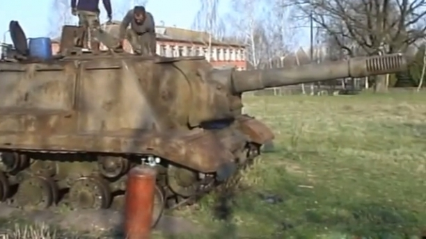 The Soviet ISU 152 - The Beast Is Back. Wow!
