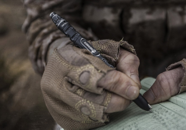 Insanely Awesome Impromptu Tactical Pen