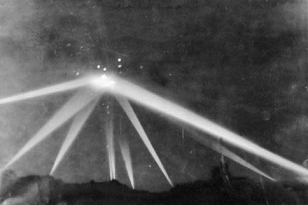 UFO over Los Angeles in 1942 or a Unique military tactic